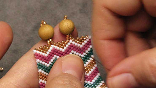 How to Finish Peyote Bead Weaving with Loops and Beads