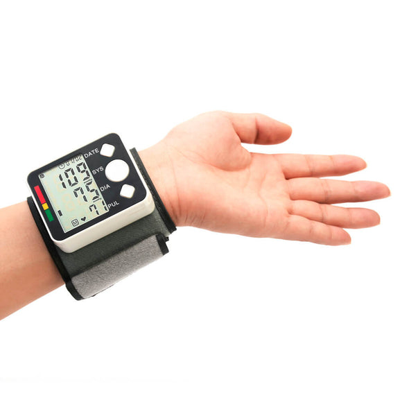 Wristband Blood Monitoring on hand