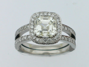 VERRAGIO Platinum 2. Carat Center Engagement Ring