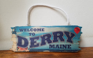 Derry Maine Mini Wood Hanger