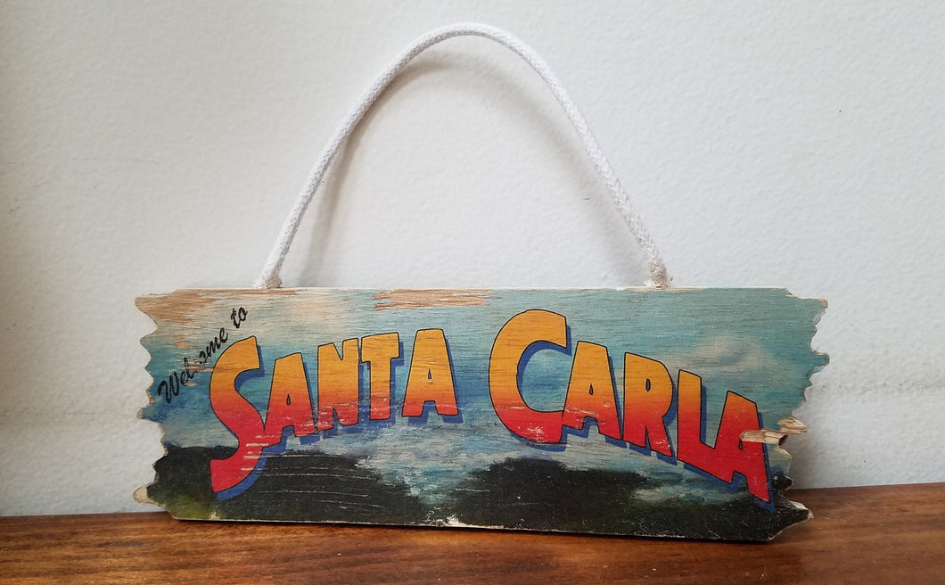 Santa Carla Mini Wood Hanger