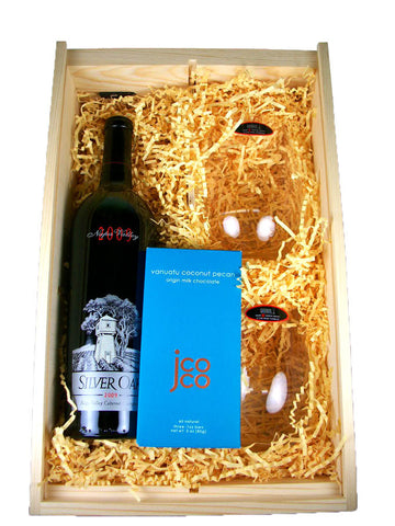 Wooden Wine Gift Box With Chocolate