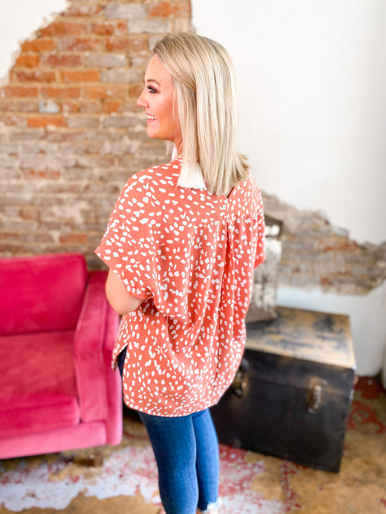 Spotted Short Sleeve V-Neck Blouse: Coral