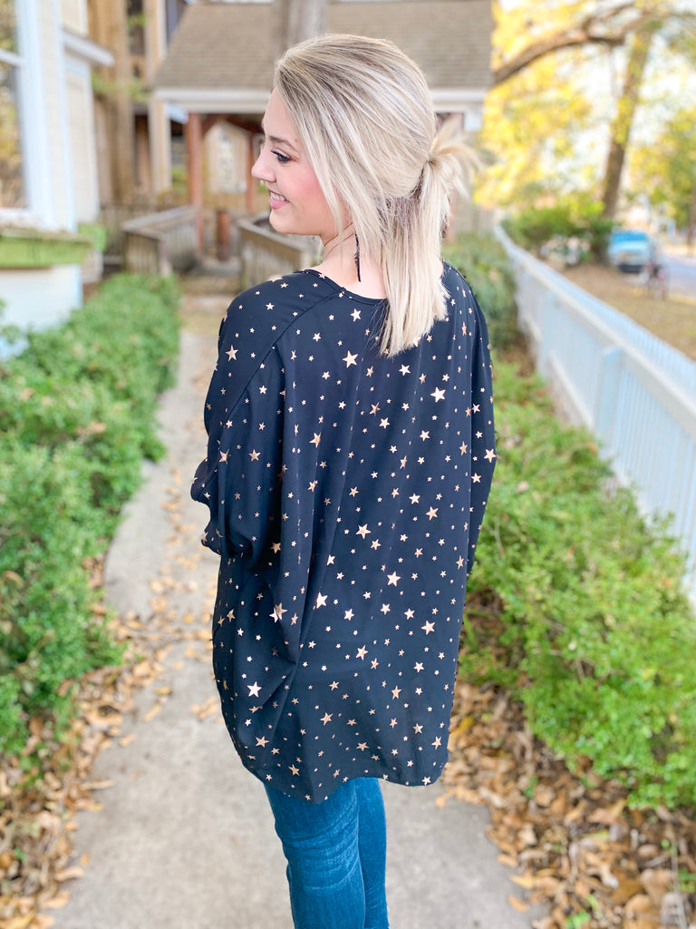 Star Print V-Neck Oversized Top