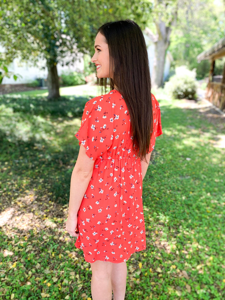 V-Neck Button Front Ditsy Floral Dress: Red