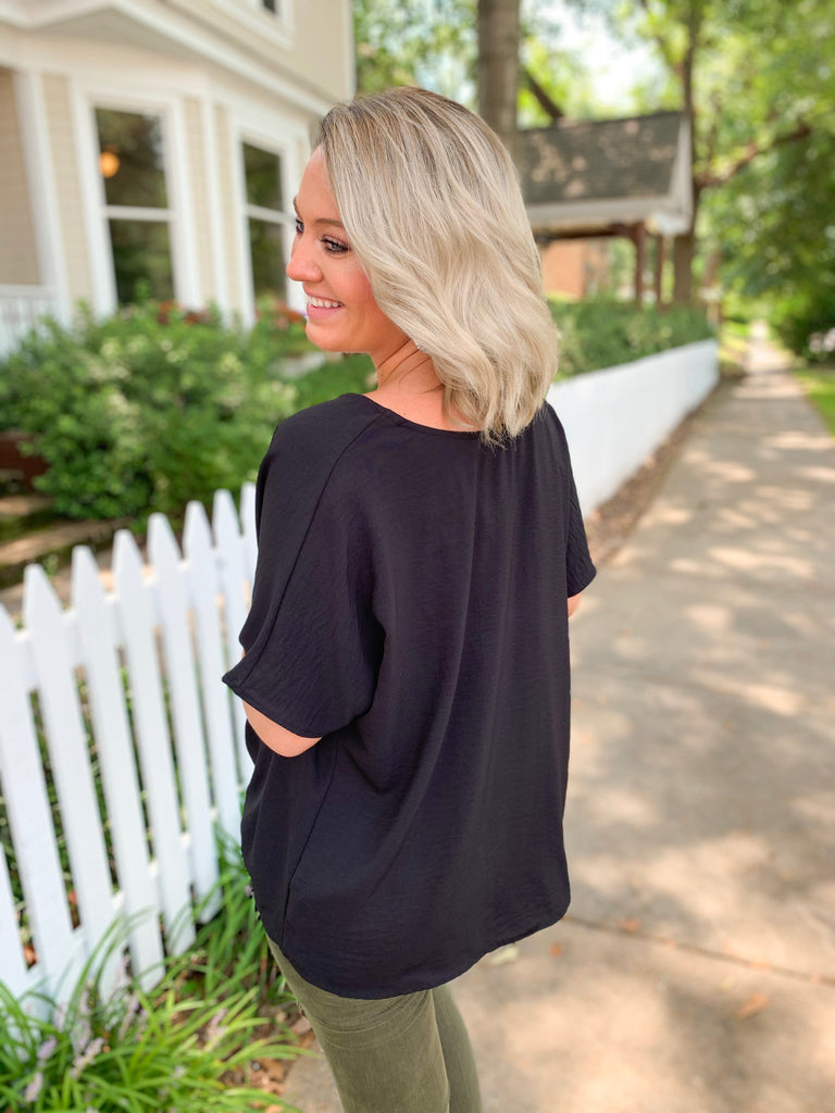 Solid Knot Front Blouse: Black