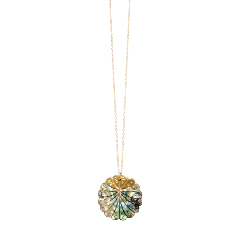 Love Poppy Detailed Short Abalone Necklace