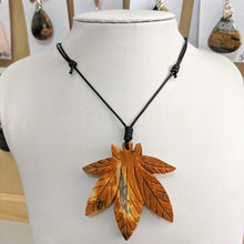 Load image into Gallery viewer, Stone Leaf Necklace