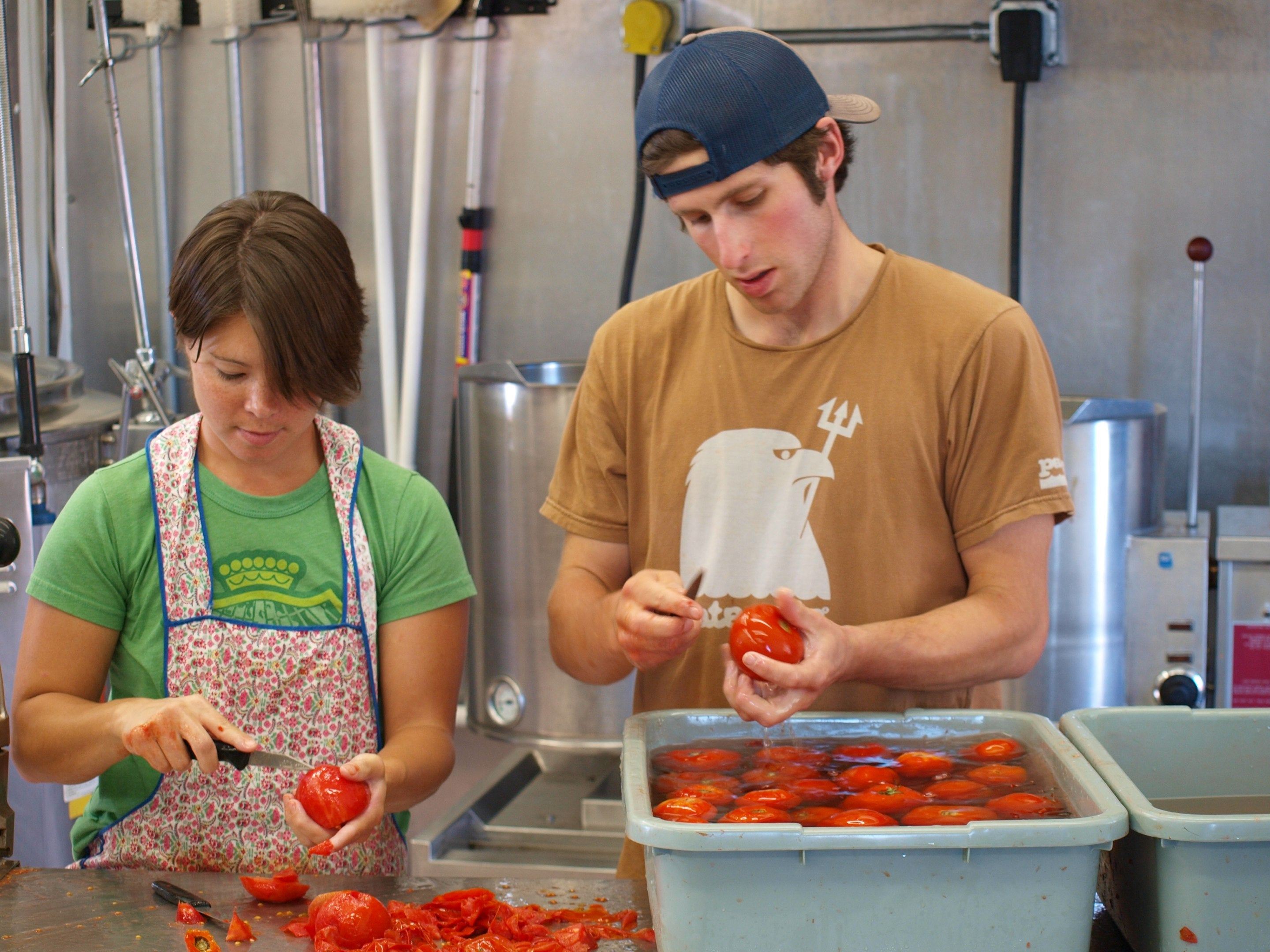 hand canning tomatoes