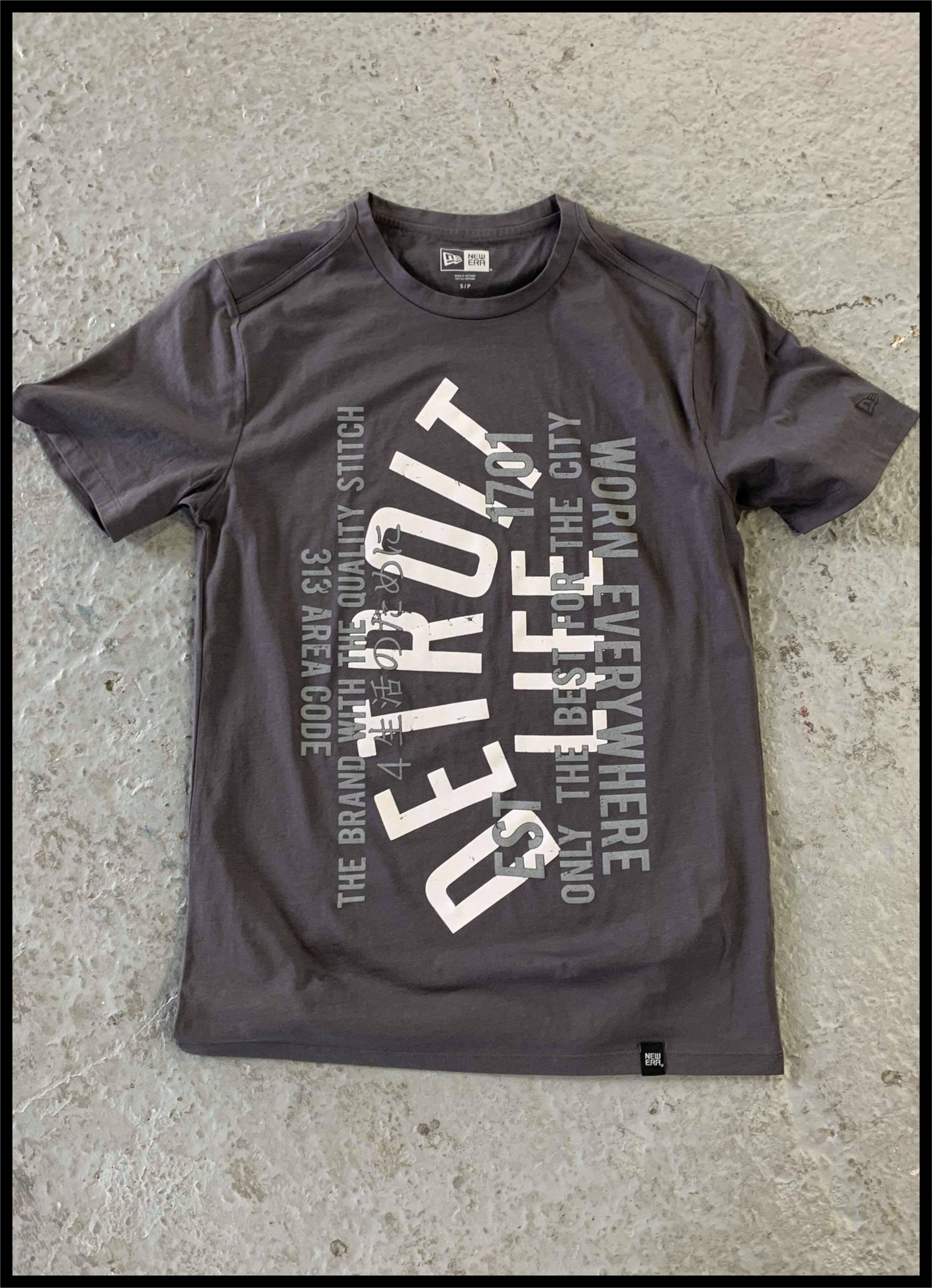DETROIT LIFE GRAPHIC T SHIRT
