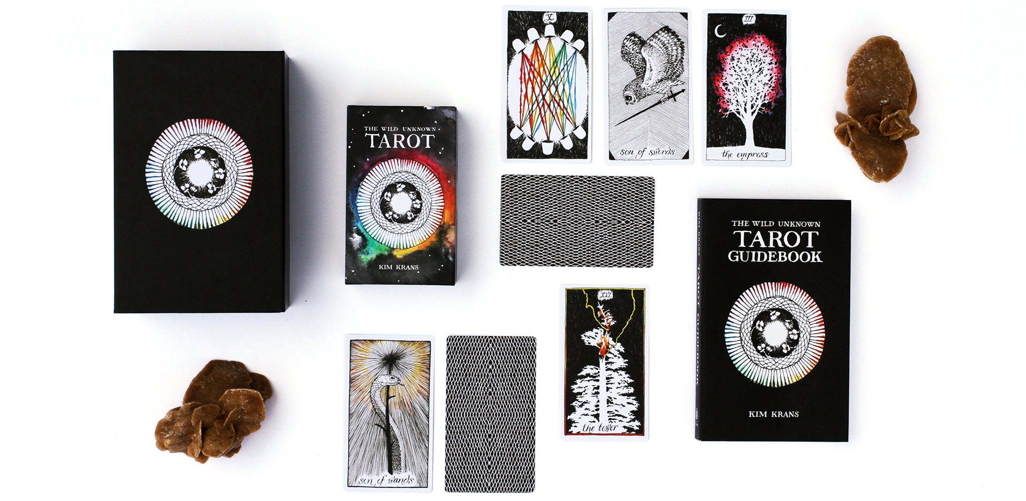 https://cdn.shopify.com/s/files/1/0154/2097/files/hero_tarot_boxset_2.jpg?7384297390838869694