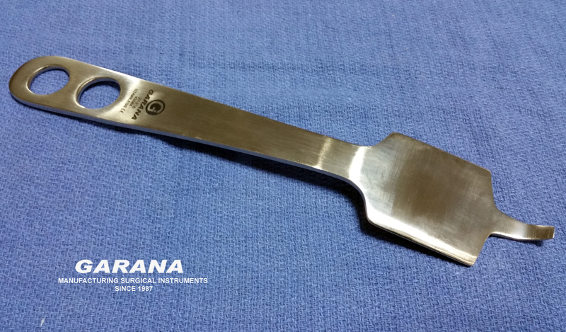 Hohmann Retractor 43MM