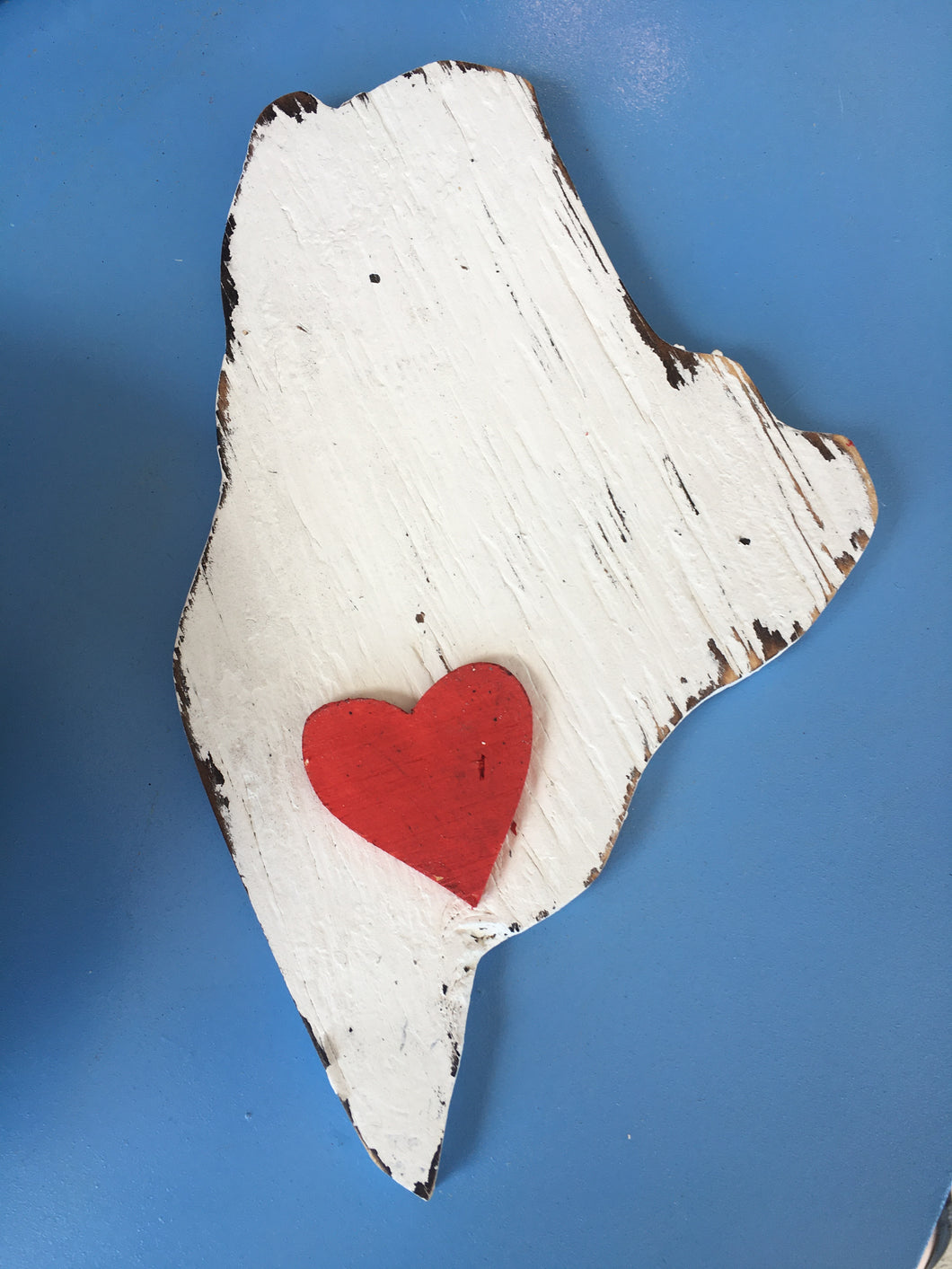 Rustic Maine Cutout w/Heart