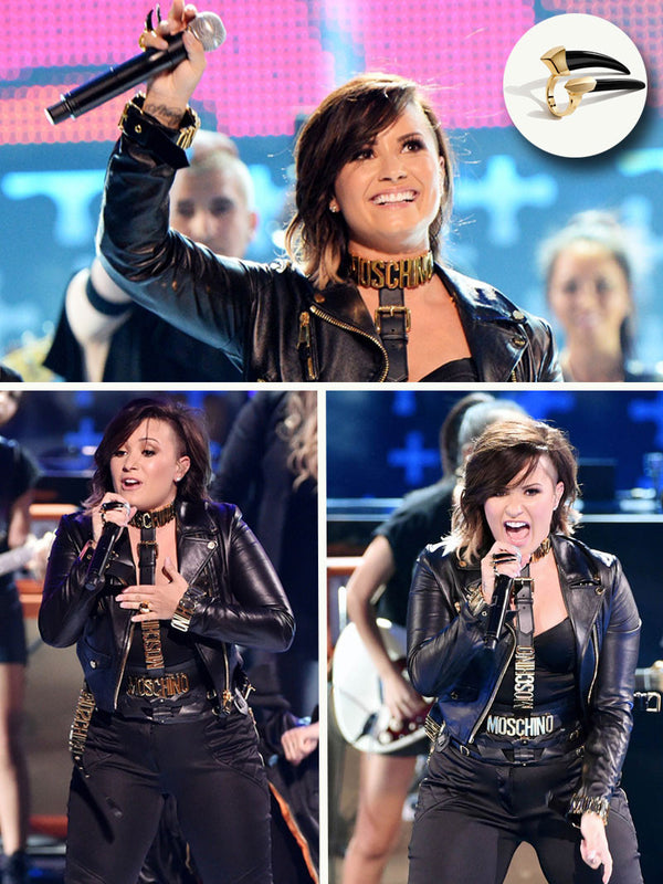 DEMI LOVATO WEARING DAMIAN RING AT TEEN CHOICE AWARDS