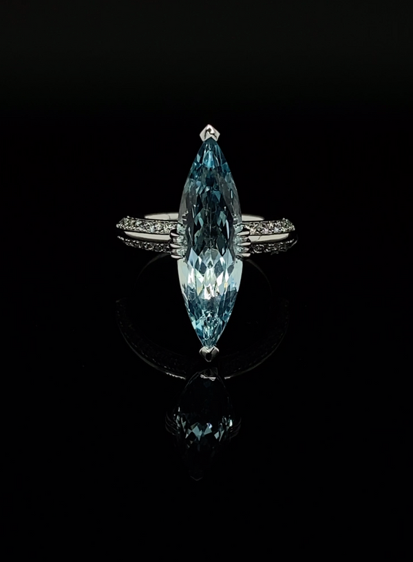 https://cdn.shopify.com/s/files/1/0154/2755/files/MAREI-New-York-Jewelry-Aquamarine-White-Diamond-Engagement-Ring-18k-White-Gold-600px.mp4?v=1617201208