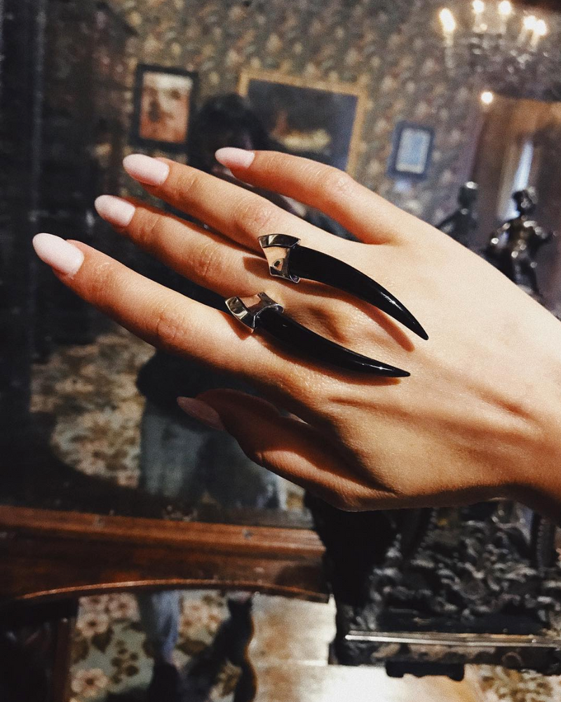 Damian Onyx Horn Ring in Black Gold