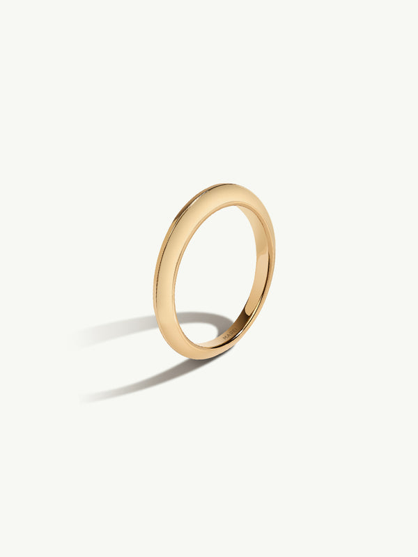 Marei Beveled Edge Wedding Band in 18K Yellow Gold