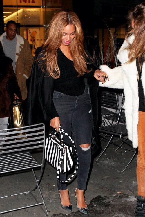 Beyonce wearing Damian ring