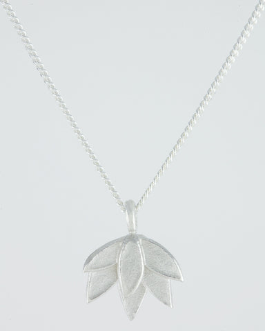 Silver Deepa Flower Pendant Necklace