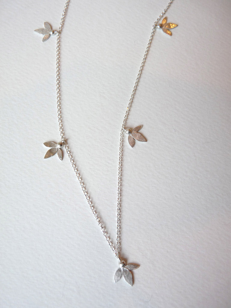 Ami Leaves Necklace