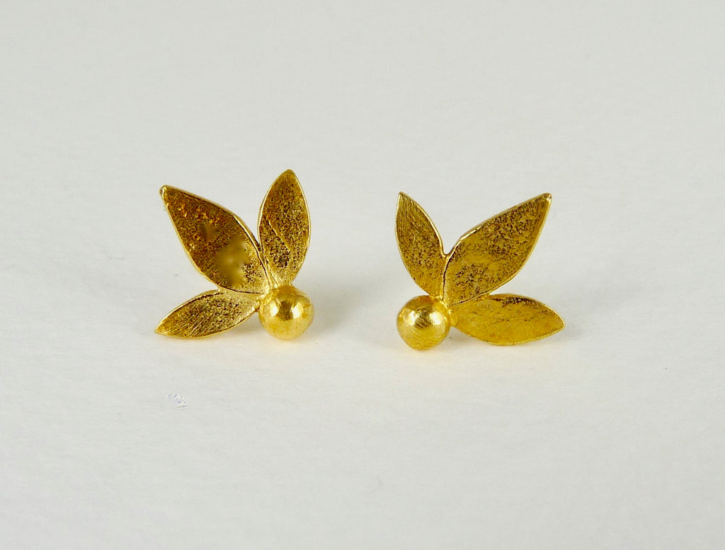 Ami leaf studs gold plated