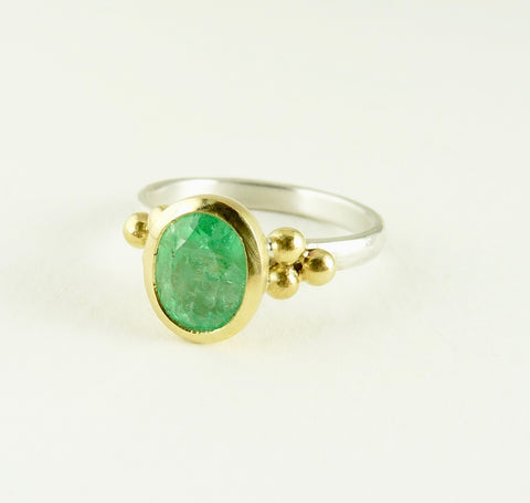 Columbian Emerald Granulation Ring