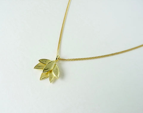 Solid 18ct Gold Deepa Necklace