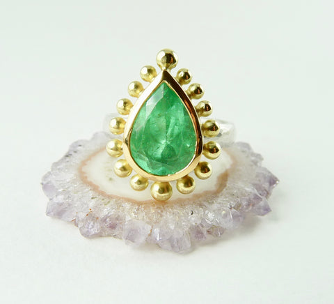 Columbian Emerald Courtesan Ring