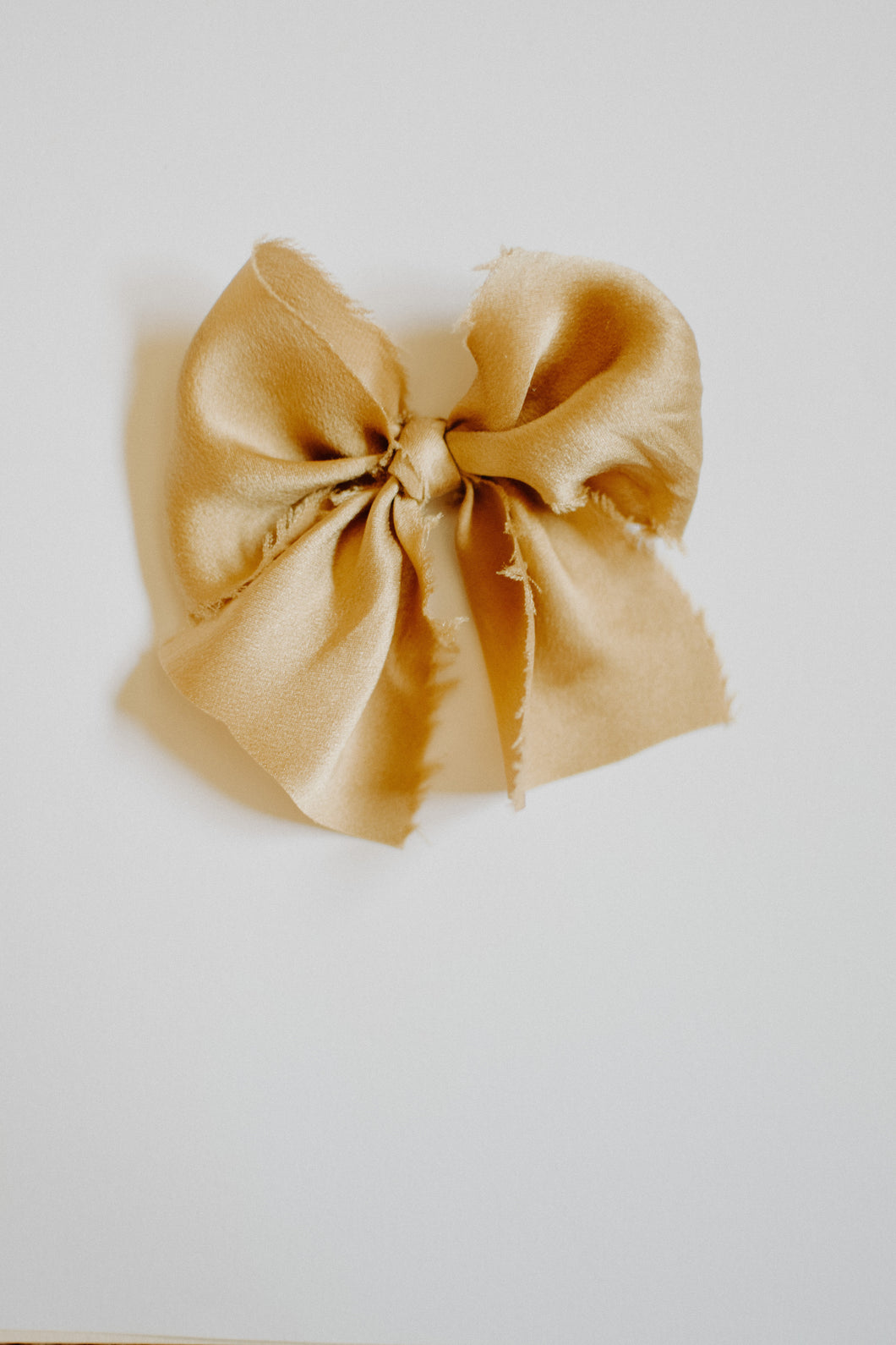 The French Silk Bow | Golden | Oversized