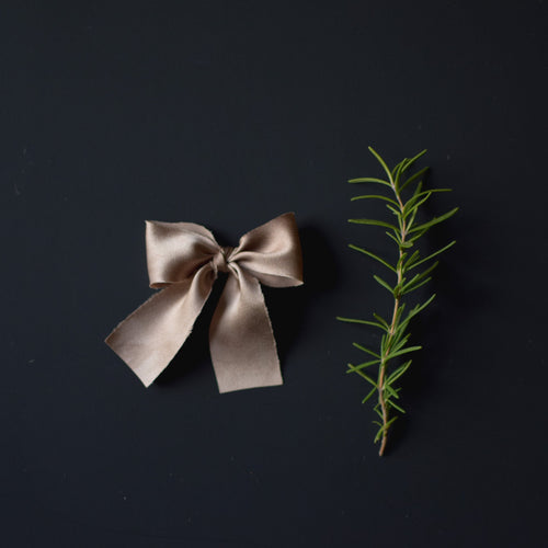 The French Silk Bow | Champagne