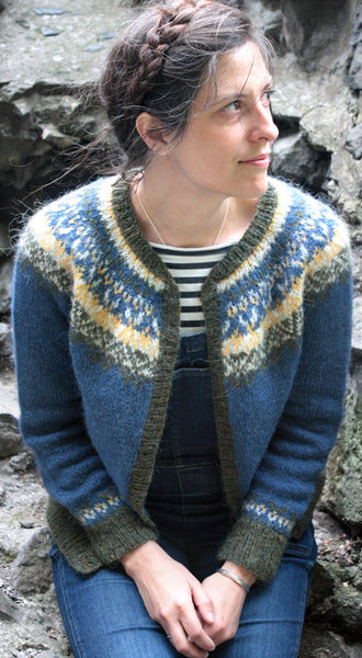 Glaswegian Cardigan by Amy Christoffers
