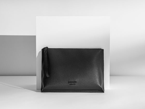 HOXTON CLUTCH - BLACK ONYX