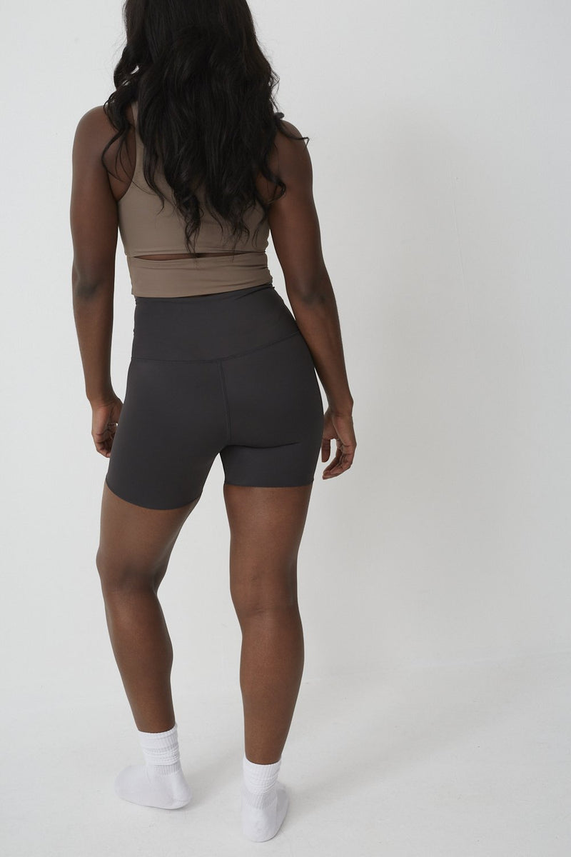 High Waist Seamless Shorts in Liquorice