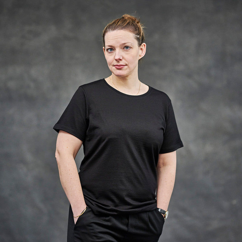 The Merino Wool T-Shirt for Women Black Woolday 5