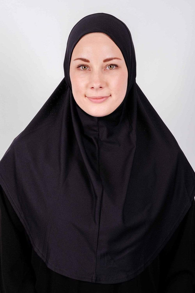 Sports Hijabs Nashata Mumtaz Tunes in Black