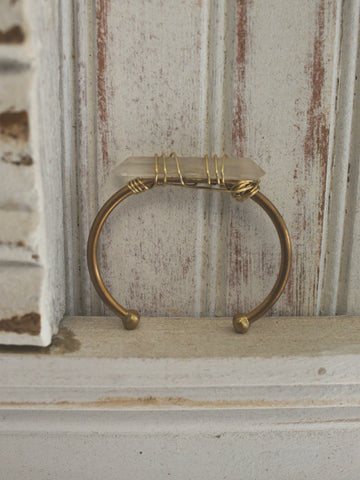 Verve Jewelry Xanadu Single Raw Quartz Brass Cuff