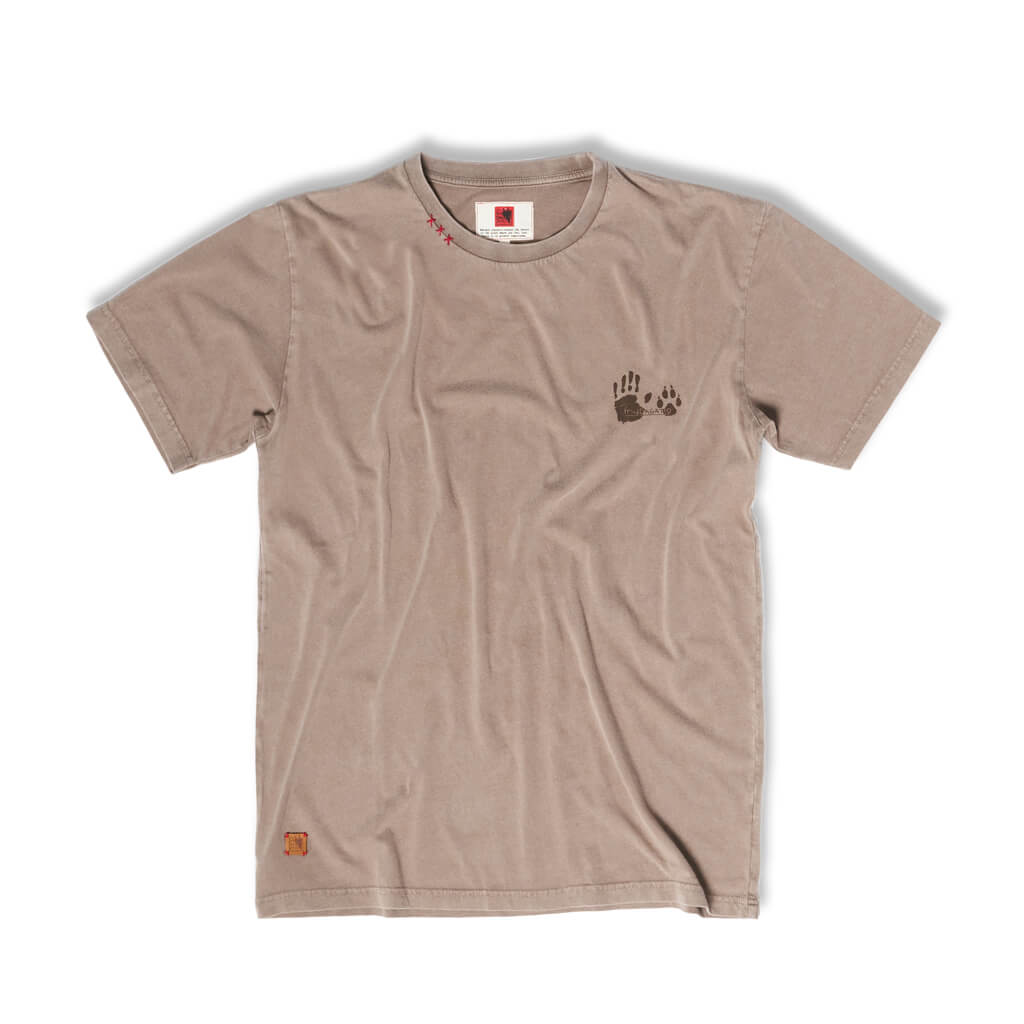 Brown tee Alauda arvensis in organic cotton. PNPG, Parque Nacional da Peneda - Gerês. Welcome to the wolfpack.