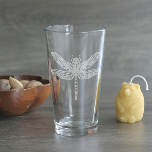 Dragonfly etched pint glass