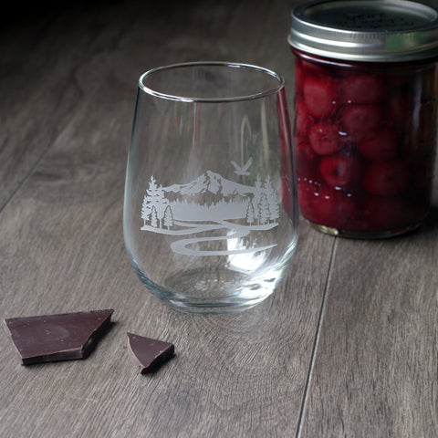 Mt Hood etched stemless wine glass
