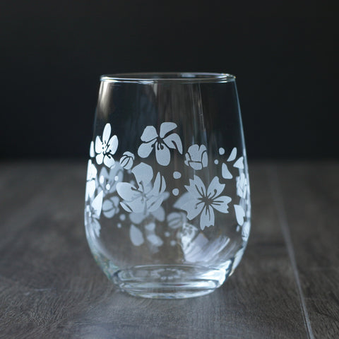 Stemless wine glass etched with sakura blossom flowers