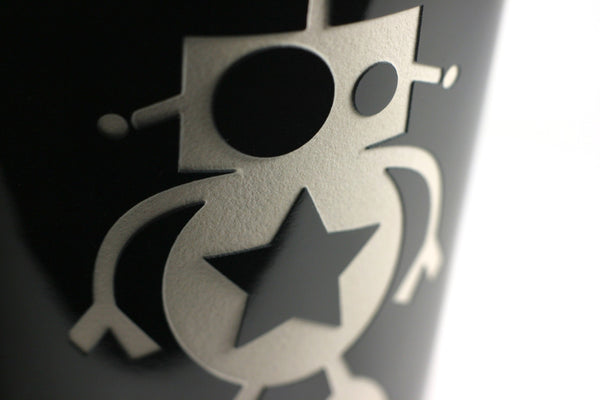 robot travel mug detail, black
