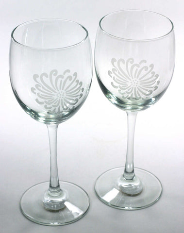 set of 2 Chrysanthemum Flower wine glasses