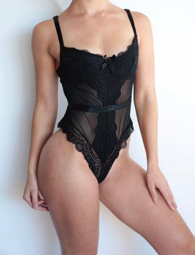 BELLA LACE BODYSUIT