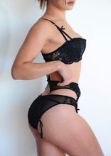 Load image into Gallery viewer, BRA WITH SUSPENDERS - BLACK
