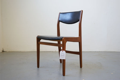 4 Mid-Century Dining Chairs Made With Teak - (314-070)