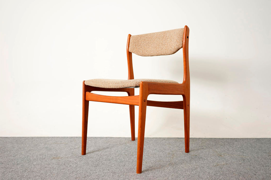 6 Teak Dining Chairs - (D725)