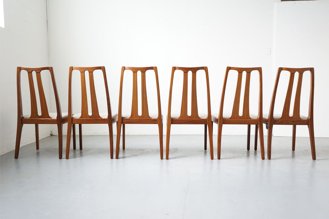 6 Vintage Modern Dining Chairs Made With Teak For Nathan - (D605)