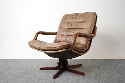 Scandinavian Leather & Rosewood Swivel Chair For Berg - (318-024)