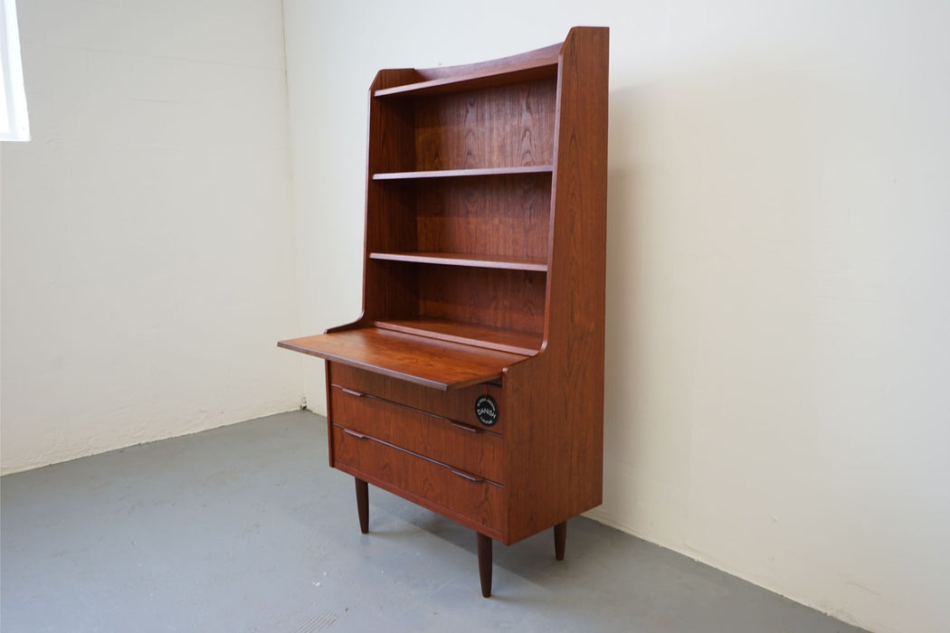 A Vintage Modern Bookcase Made With Teak - (312-039)