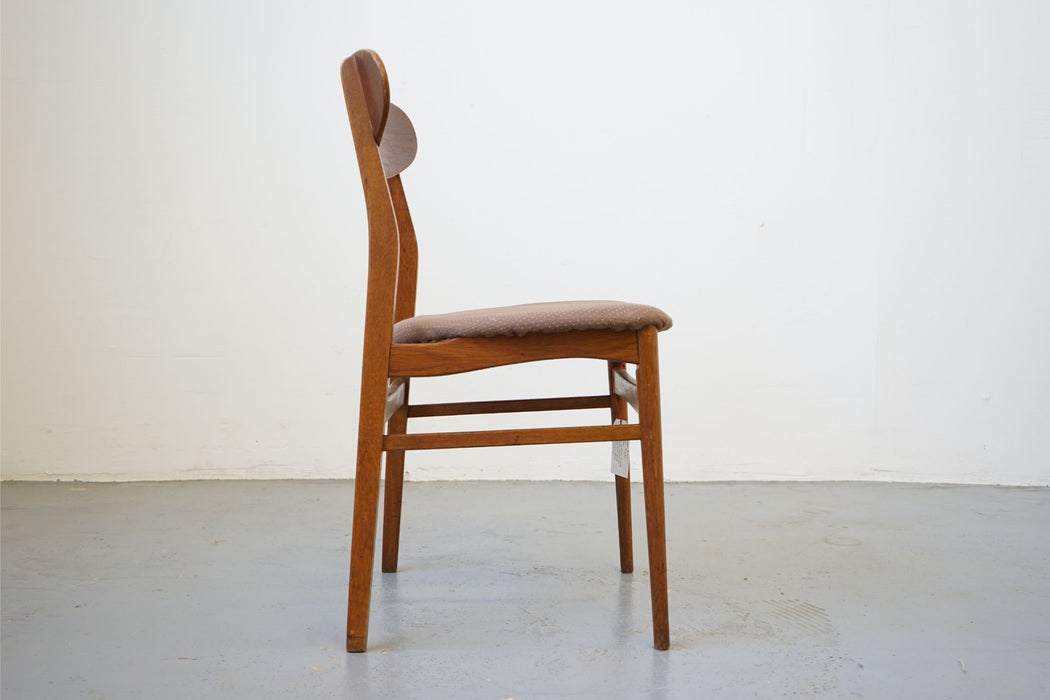 Danish Chair Made With Teak & Oak - (315-014.17)